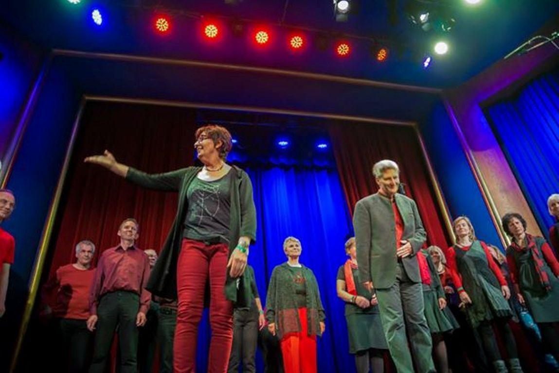 """Susanne  mit den """"Oldies"""" beim Berliner Chor Open Stage im Mai 2014"""